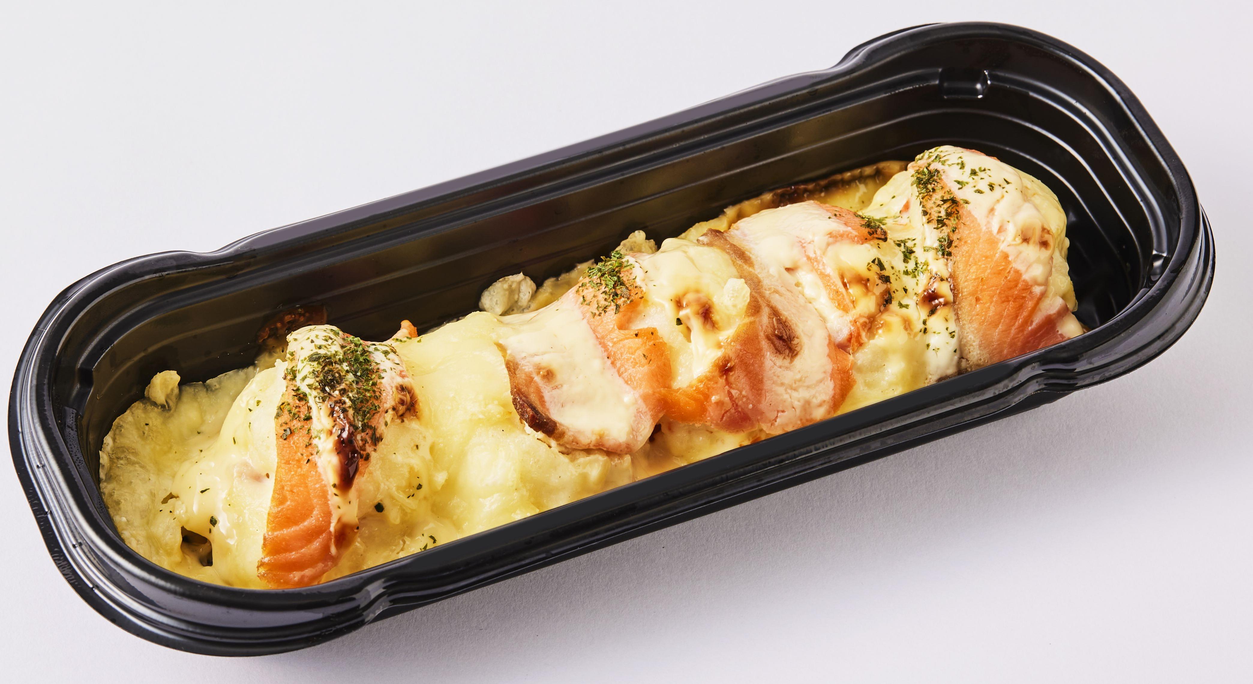 スモークサーモンのポテトチーズ焼き 398円(税込)