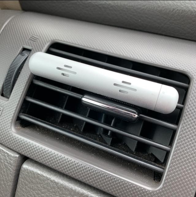 エアコンの風に乗せて車内を心地良い空間に…